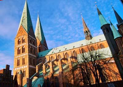 Veranstaltungsort ist die Seniorenakademie Lübeck an St. Marien.