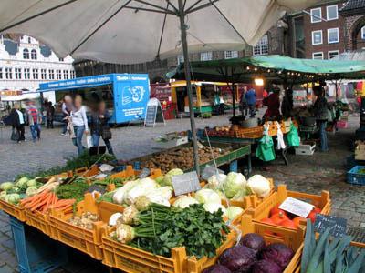 Die Wochenmärkte werden auf Grund der Feiertage verlegt.