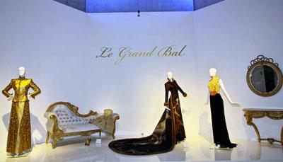 Das Museumsquartier widmet sich in einer Sonderausstellung der Mode. Foto: JW