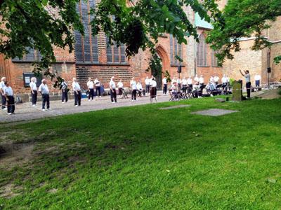 Möwenschiet bei der Chorprobe vor St. Jakobi. Foto: Chor