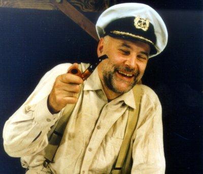 Am Freitag geht es beim Gastspiel im Theater Lübeck 'Mit Großvater über die Meere'. Foto: Verein
