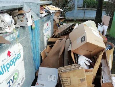 Wer seinen Müll neben den dafür vorgesehenen Behältern entsorgt hat, darf nun mit einem Bußgeld rechnen. Foto: Gemeinde Stockelsdorf