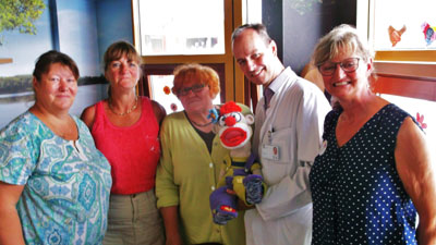 Marion Kimm, Marion Hardt, Anita Weber (v.l.) für die Glücksfischer mit Prof. Dr. Melchior Lauten und Tina Determann. Foto: Glücksfischer