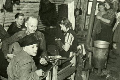 Die Führung beschäftigt sich mit dem Pöppendorfer Lager. Foto: Fotoarchiv Hansestadt Lübeck.