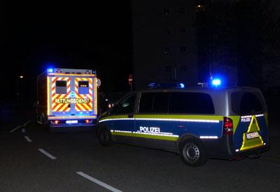 Die Beamten stellten ein Messer sicher, der Rettungsdienst wurde nicht benötigt. Foto: Stefan Strehlau