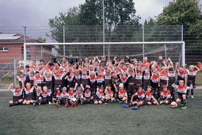 81 Kids machen bei der Fußballschule mit. Foto: FC. St. Pauli Fußballschule/ Rabauken