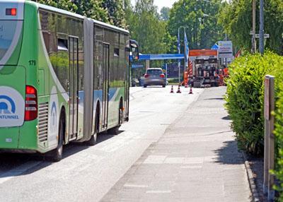 Der Genversdorfer Weg hat jetzt einen Schutzstreifen für Radfahrer. Foto: TA
