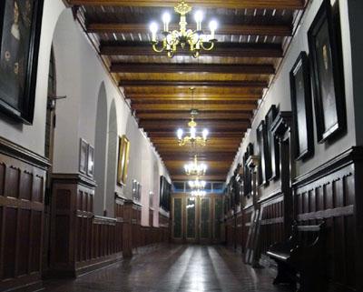 Die Führungen durch Lübecks Rathaus beginnen am Wochenende bereits um 12 Uhr. Foto: JW