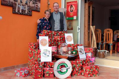 Ulrike und Klaus Matthießen organisieren die Aktion in Lübeck auch dieses Jahr. Archivfotos: privat