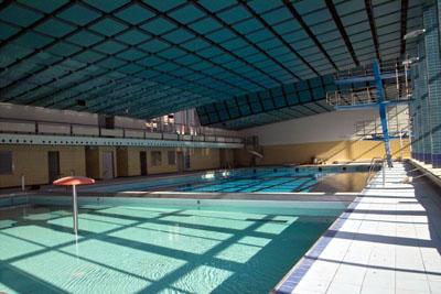 Die Schwimmbäder haben am Donnerstag nur eingeschränkt geöffnet.