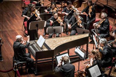 Ton Koopman und seine Musiker boten Bach-Kantaten. Foto: SHMF / foppeschut