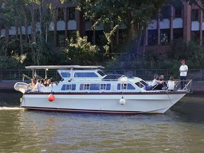 Am Wochenende stellt der Verein Sobootia Solarboot Initiative Lübeck e.V. sein Solarboot auf der Hanseboot Messe in Neustadt vor. Foto: Verein