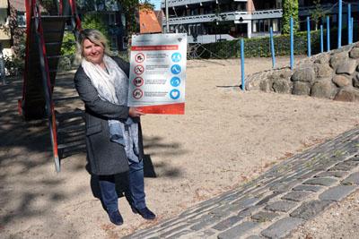 Bausenatorin Joanna Hagen ist froh, dass die Spielplätze wieder frei gegeben werden können. Fotos: VG