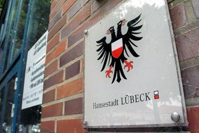 Lübeck setzt ab kommenden Jahr einen Wachdienst im Bürgerbüro ein.