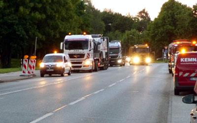Die Ausbesserung von Schadstellen an Hauptstraßen erfolgen in den Abend- und Nachtstunden. Fotos: Stefan Strehlau