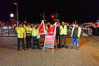 Das Fährpersonal und die Busfahrer des Stadtverkehrs streiken drei Tage lang. Foto: Karl Erhard Vögele/Archiv