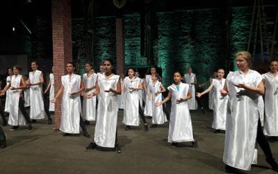 Kinder und Jugendliche gehören bei Kunst am Kai zu den Stars der Aufführung. Archivbild: TD