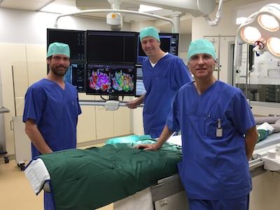 Dr. med. Tolga Agdirlioglu, Dr. med. Olaf Krahnefeld und Prof. Dr. med. Joachim Weil der Sana Kliniken Lübeck GmbH freuen sich über die Investition in die Kardiologie. Foto: Sana Kliniken Lübeck GmbH