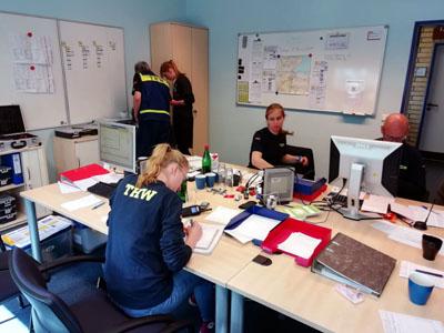 DLRG, Wasserwacht, THW, Wasserschutz- und Bundespolizei arbeiten bei der TW zusammen. Archivfoto: THW.