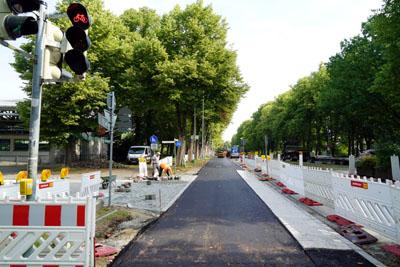 Die Radfahrer haben an der Einmündung zum Getrudenkirchhof jetzt auch eine eigene Ampel. Fotos: JW