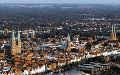 Lübeck wird auch die Stadt der sieben Türme genannt. Foto: JW.