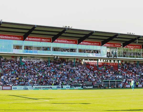 Der VfB Lübeck sucht noch Einlaufkids für die Heimspiele in der neuen Saison.