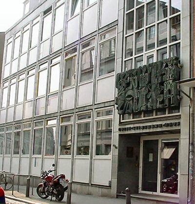 Der Vortrag findet in der Volkshochschule in der Hüxstraße statt.