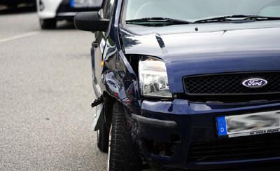 Der VW Up rammte den Ford, der auf die andere Straßenseite geschleudert wurde. Fotos: Travemünde Aktuell