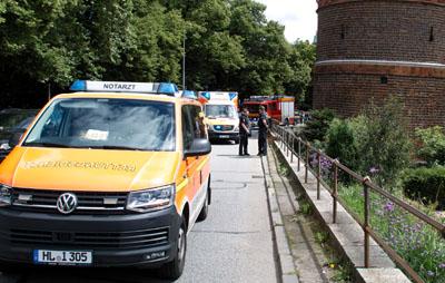 Der Rollerfahrer wurde bei dem Unfall schwer verletzt. Fotos: VG