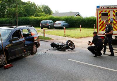 Bei dem Unfall wurde der Motorradfahrer schwer verletzt. Fotos: Oliver Klink