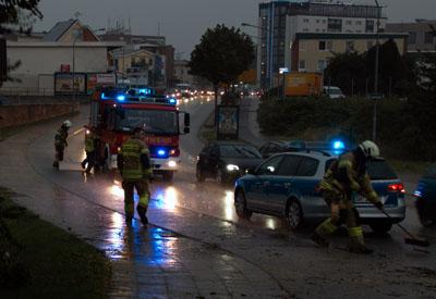Das rund einstündige Gewitter verursachte in Lübeck keine Schäden. Fotos VG(2), Karl Erhard Vögele (2)