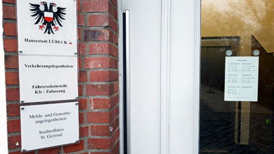 Aufgrund der aktuellen Situation muss die KFZ-Zulassungsstelle der Hansestadt Lübeck das Service-Angebot weiter einschränken.