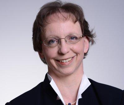 IHK-Präses Friederike C. Kühn macht zusammen mit ihrem Kollegen aus Lüneburg Druck für den Ausbau der Wasserstraßen.