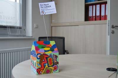 Jedes Häuschen ist einzigartig und ein kleines Kunstwerk. Foto: Travebogen