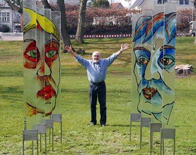 Glaskünstler Gerhard O.A. Schmidt stellt in Travemünde seine neuen Werke aus. Fotos: Karl Erhard Vögele