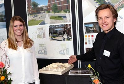 Sabrina Ebener und Anton Brodmann möchten einen Treffpunkt mit überdachten Innenhöfen schaffen. Fotos: RB